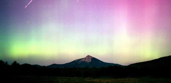 Gambar Aurora di langit